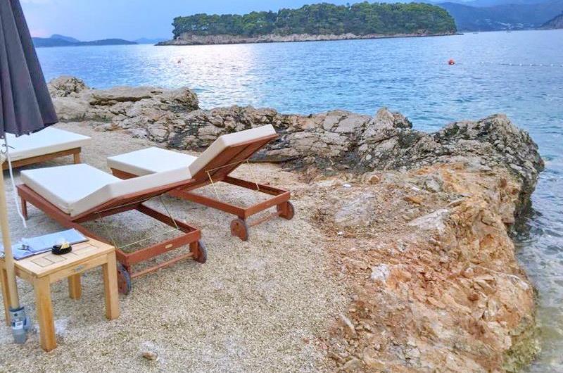 3 Bedroom Waterfront Apartment in Dubrovnik City, Sleeps 6