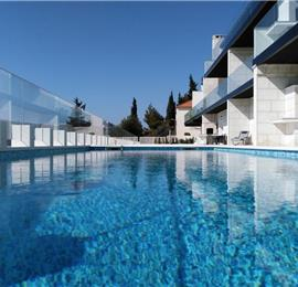 7 Bedroom Villa with Pool & Sea Views in Seget Vranjica near Trogir, sleeps 14-15