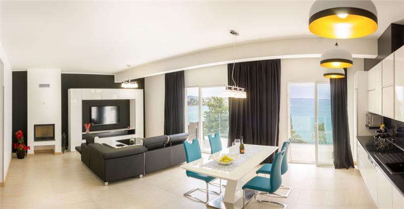 9 Bedroom Villa with Pool and Sea Views in Seget Vranjica near Trogir, sleeps 18-21