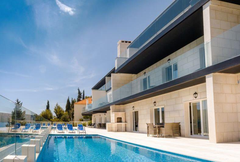 24 Bedrooms across 3 Villas with Pools  near Trogir, sleep 46-50