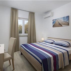 4 Bedroom Villa with Heated Pool near Labin, sleeps 8
