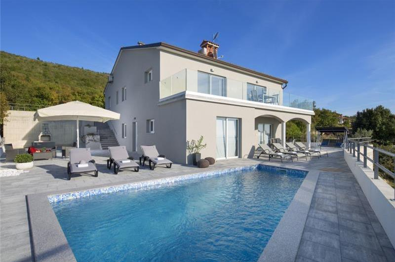 4 Bedroom Villa with Pool near Labin, sleeps 8