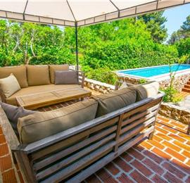 Luxury 4 Bedroom Seaside Villa with Pool near Jelsa, sleeps 8-10