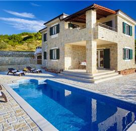 4 Bedroom Villa with Pool near Podstrana, sleeps 8