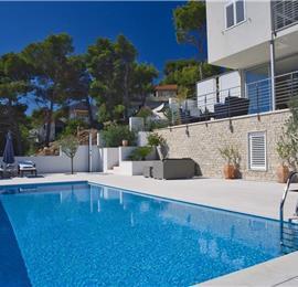 5 Bedroom Villa with Infinity Pool and Sea Views in Splitska, Brac Island - sleeps 10