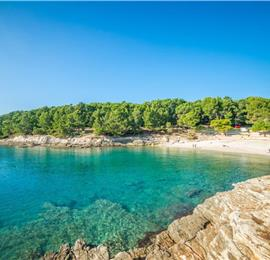 1-2 Bedroom Apartments near the beach in Pula, sleeps 2-6