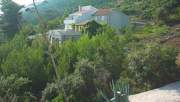 3 Bedroom Villa with Annexe Apartment near Ivan Dolac on Hvar Island, sleeps 10-12