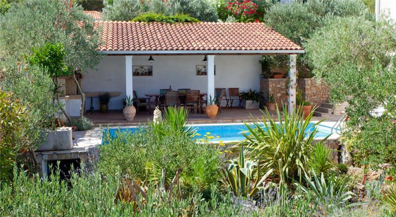 5 Bedroom Seaside Villa with Pool in Supetar, Brac Island, sleeps 9-13