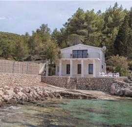 5 Bedroom Beachfront Villa with Pool on Hvar Island, sleeps 10-12