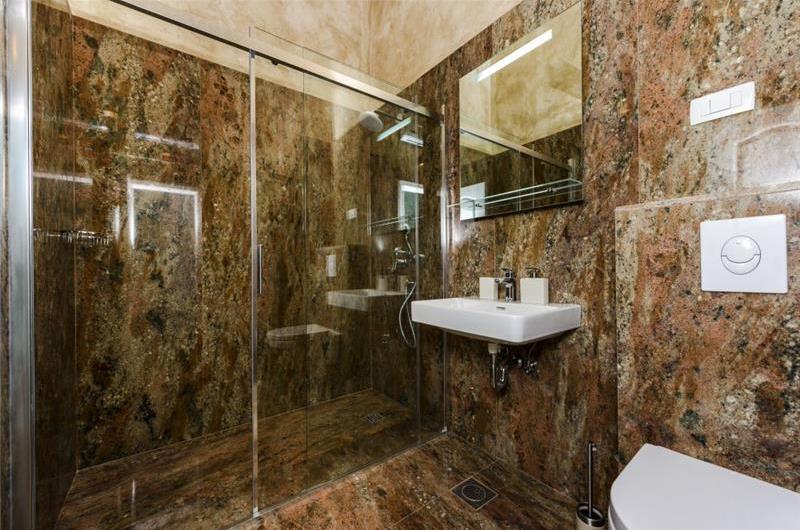 4 Bedroom Villa with Pool in Konavle Valley near Dubrovnik, sleeps 8
