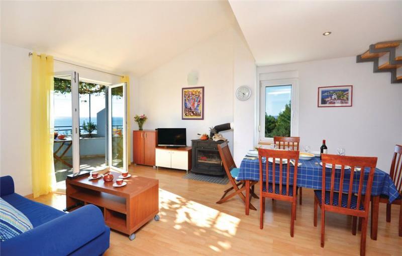 2 Bedroom Apartment with Balcony and Sea View on Hvar Island, Sleeps 4-5
