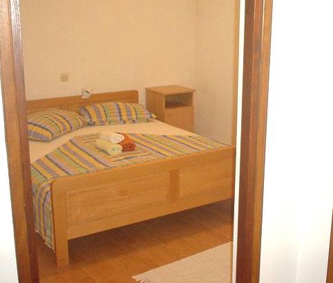 1 Bedroom Apartment in Ivan Dolac on Hvar, Sleeps 3