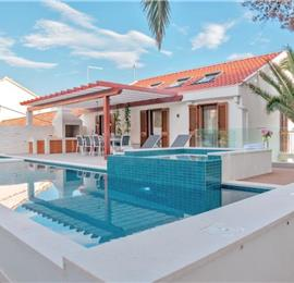 5 Bedroom Luxury Seafront Villa with Heated Pools in Milna, Brac Island, sleeps 10