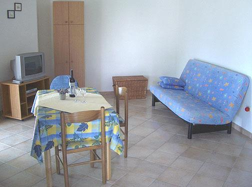2 Bedroom Apartment in Ivan Dolac on Hvar, Sleeps 4-6