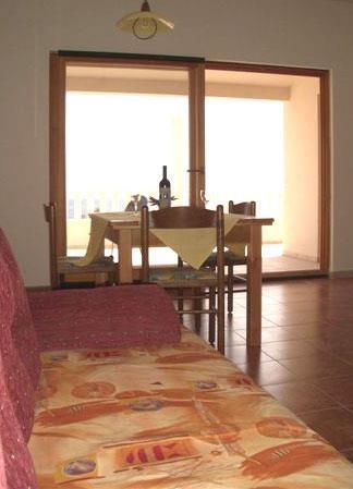 2 Bedroom Apartment in Ivan Dolac on Hvar, Sleeps 4