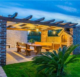 1 Bedroom Villa with Annexe and Pool near Pula, sleeps 2-4