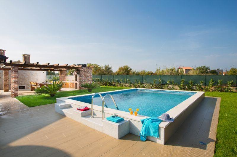 1 Bedroom Villa with Annexe and Pool near Pula, sleeps 2-4