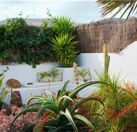 1 Bedroom Apartment with Garden near Costa Teguise, sleeps 2