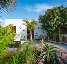 1 Bedroom Apartment with Secret Garden near Costa Teguise, sleeps 2