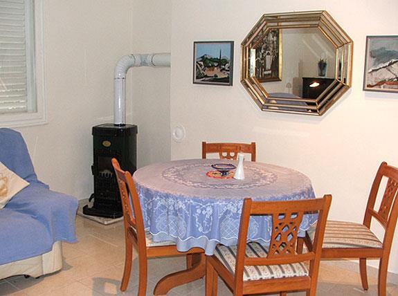 1 bedroom cottage in Stari Grad on Hvar, Sleeps 2