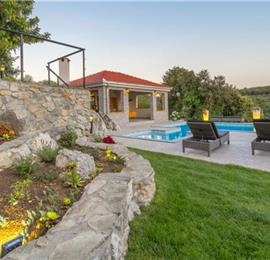 4 Bedroom Villa with Pool and Sea View on Ciovo Island, sleeps 7-11