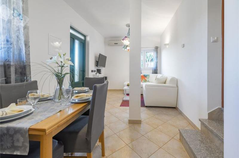 4 Bedroom Villa with Pool and Sea View in Okrug Donji, sleeps 7-11