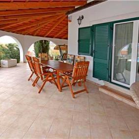 3 Bedroom Villa with Pool in Skrip, sleeps 7