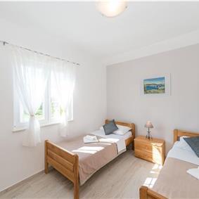 3 Bedroom Villa with Pool near Privlaka, Zadar Region, sleeps 6-8