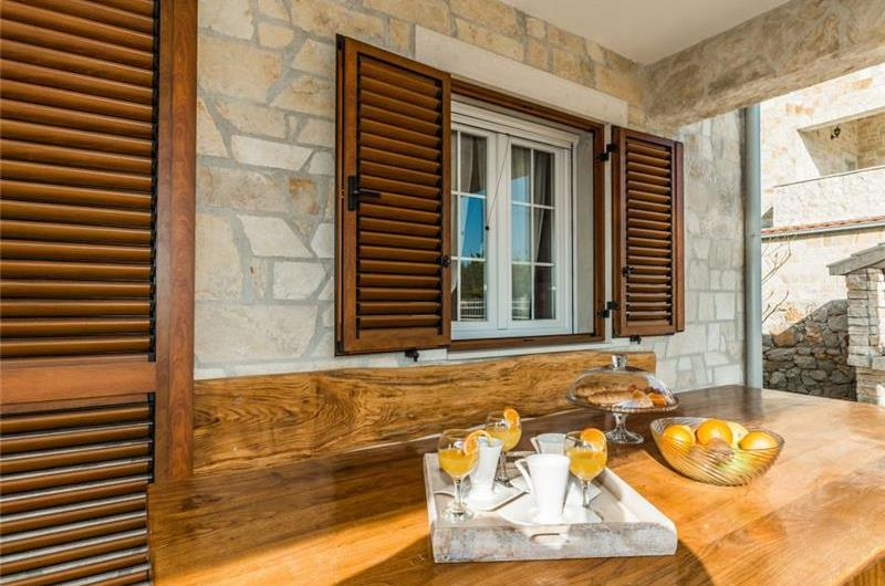 3 Bedroom Villa with Pool and View in Privlaka, sleeps 6-8