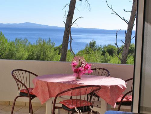 1 Bedroom Apartment in Ivan Dolac on Hvar, Sleeps 2