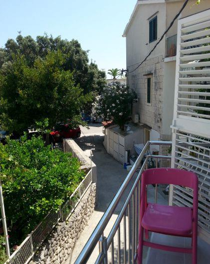 2 Bedroom Townhouse in seaside Baska Voda, near Makarska, sleeps 4-6