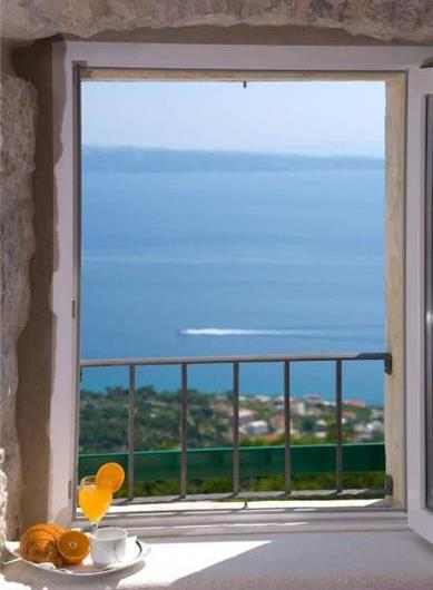 3 Bedroom Villa with Garden and Sea View, in Podstrana, sleeps 6