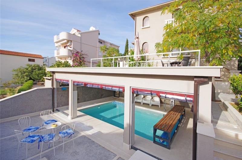 4 Bedroom Seaside Villa with Heated Pool on Ciovo nr Trogir, sleeps 7-8
