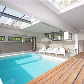 4 Bedroom Seaside Villa with Heated Pool on Ciovo nr Trogir, sleeps 7