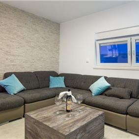 2 Bedroom Apartment in Novalja with Sea View, sleeps 4-6