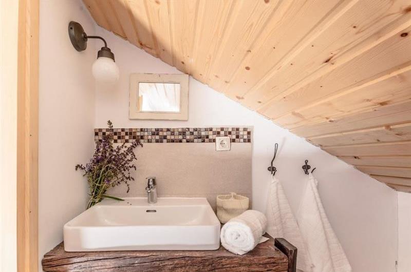 3 Bedroom Villa with Pool, in Zadar, sleeps 6-8