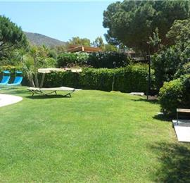 6 Bedroom Villa with Pool near Villasimius, Southern Sardinia, sleeps 12
