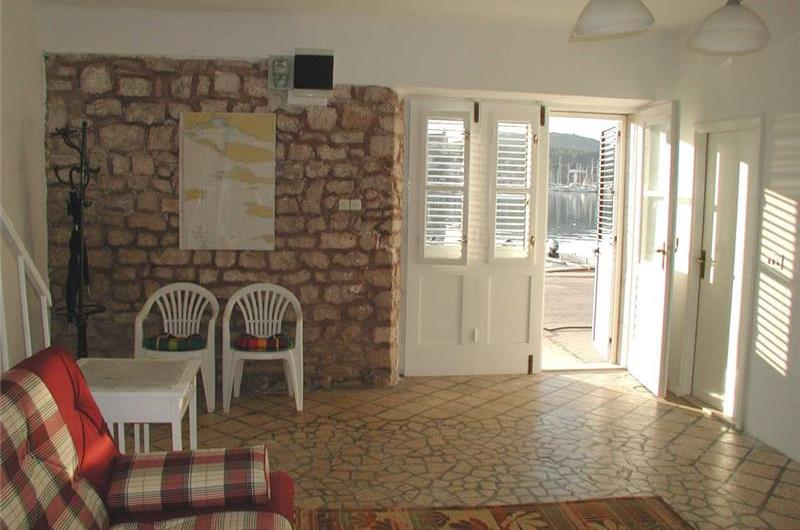 3 Bedroom Villa in Milna on Brac, Sleeps 6-8