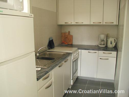 3 Bedroom Seaside Villa with Roof Terrace in Milna on Brac, Sleeps 6-8