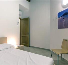 3 Bedroom Apartment with Pool in Costa Paradiso, sleeps 6-8