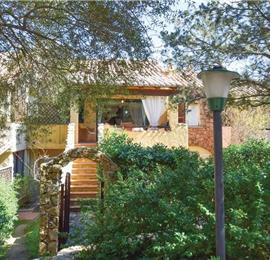2 Bedroom Apartment with Shared Pool in Porto Rotondo, sleeps 4-6