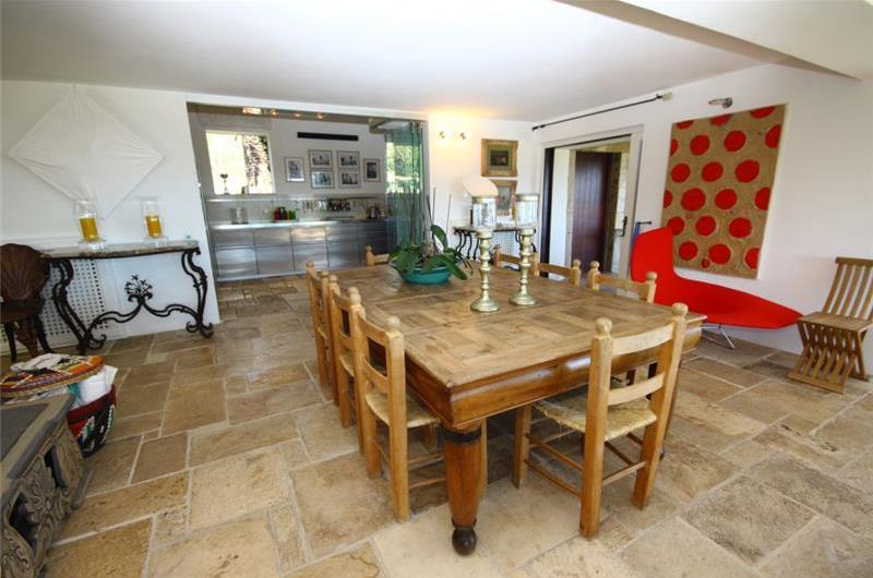 Luxury 5 Bedroom Villa with Pool and Sea Views in Pevero, Porto Cervo, sleeps 10