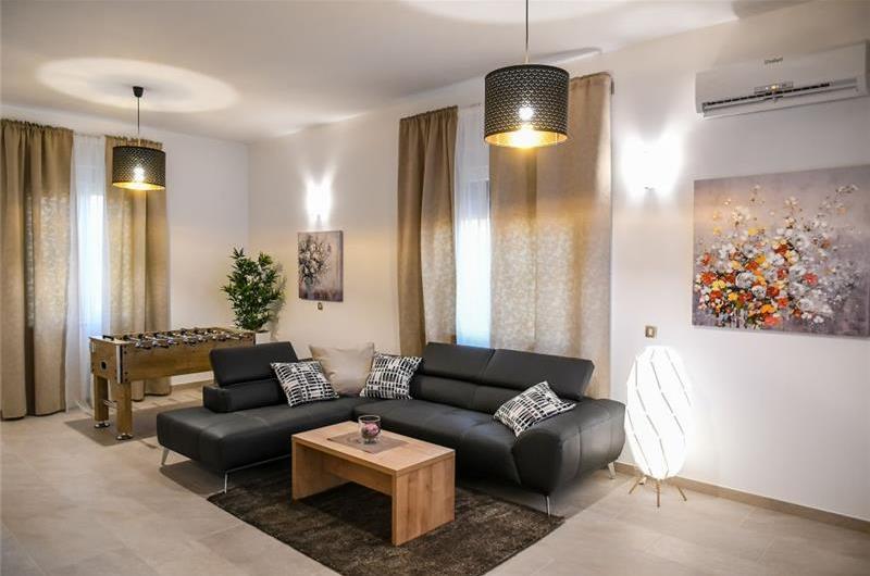 4 Bedroom Villa with Pool and Sea Views in Opatija, sleeps 8