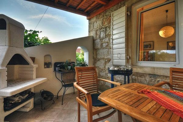 2 bedroom Apartment in Jelsa, on Hvar, Sleeps 4-5