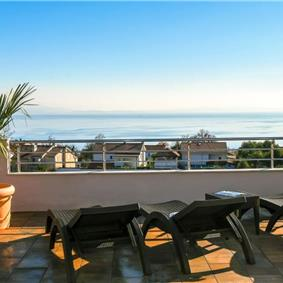 4 Bedroom Villa with Pool and Sea Views in Pobri near Opatija, sleeps 8