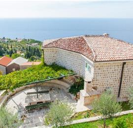 3 Bedroom Villa with 3 Shared Pools and Sea Views, sleeps 6-7