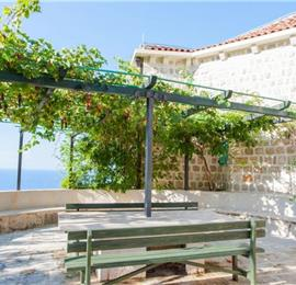 3 Bedroom Villa with 3 Shared Pools and Sea Views, sleeps 6