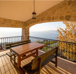 2 Bedroom Villa with 2 Shared Pools and Sea Views, Sleeps 4