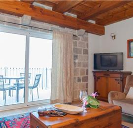 2 Bedroom Apartment with 3 Shared Pools, sleeps 4-5