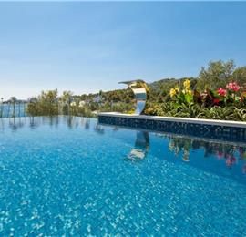 Luxury 4 Bedroom Villa with Infinity Pool in Tatinje Bay near Trogir, sleeps 8-10